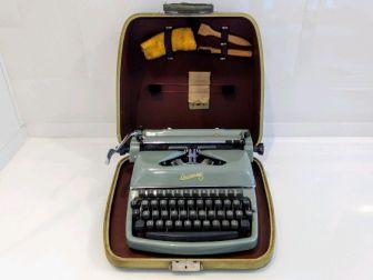 maszyna do pisana Rheinmetall antyk gadżet dekor kolekcjoner vintage retro