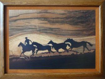 Konie na prerii - Obraz Intarsja - Obrazy Drewnem Malowane - Sztuka Intarsji